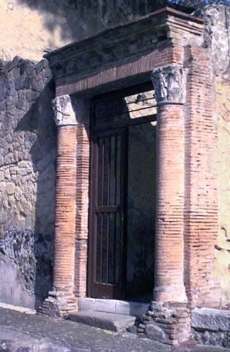 Scavi di ercolano for Come aggiornare le colonne del portico anteriore